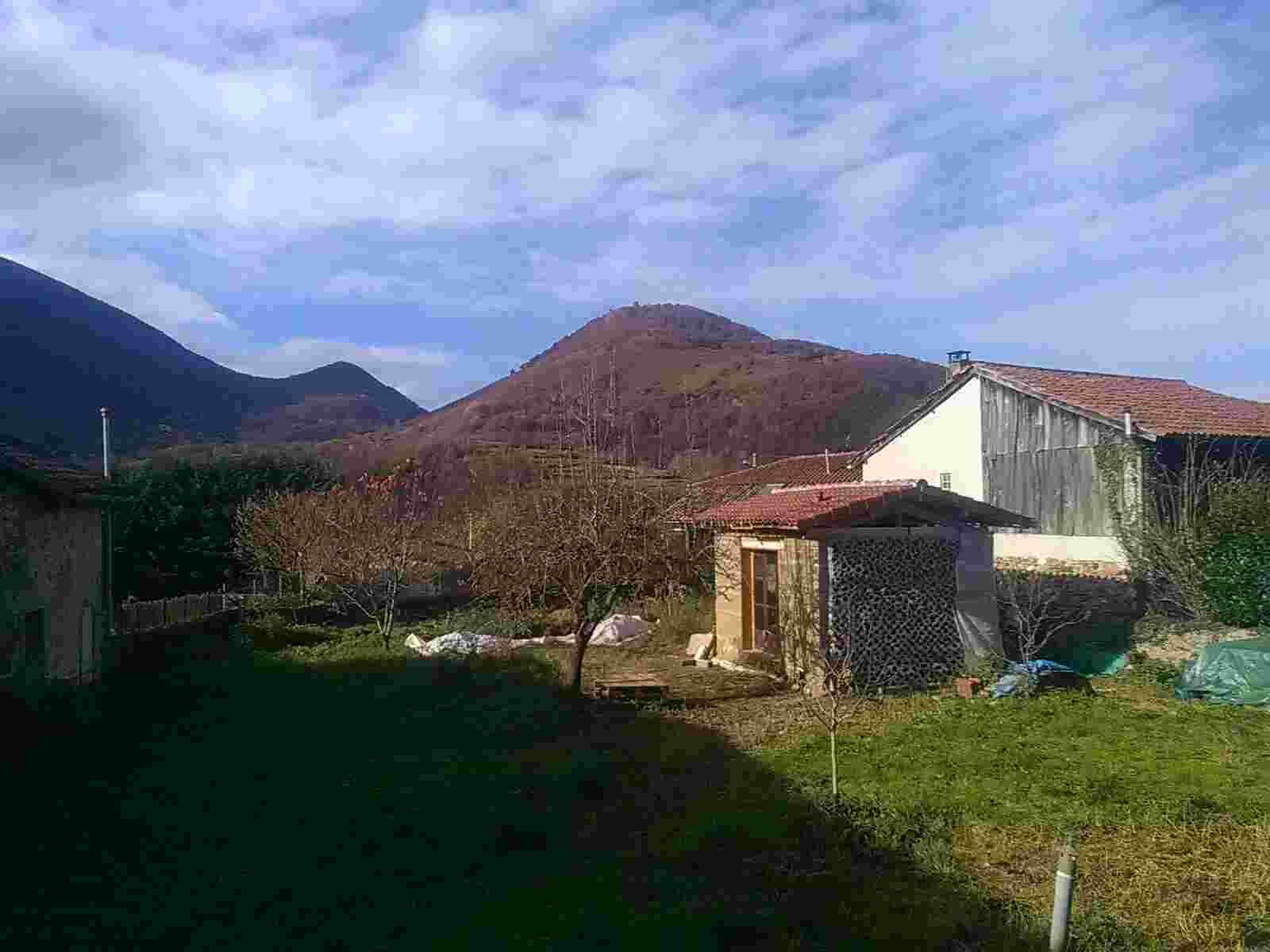Maison laboratoire vue montagnes